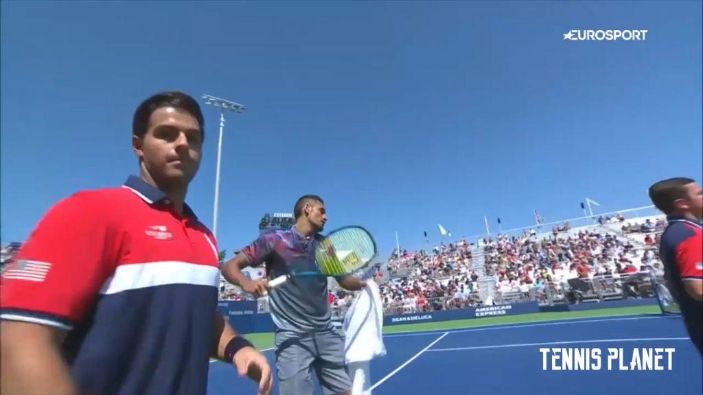 Kyrgios smashes racquet