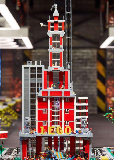 Mega Cities Challenge: Bilsy and Kale's Art Deco Building
