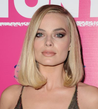 "Australian actress Margot Robbie has made a strong case for why a peach-coloured lip is the new pink this summer.<br /> <br /> The <em>Wolf of Wall Street</em> star lit up the red carpet with her fruity-coloured lip at the premiere of her latest film<em> I, Tonya</em> in Los Angeles last night.<br /> <br /> Robbie complemented her peachy pout with a bronzed, smokey eye and draped herself in a golden, sequinned gown from Versace.<br /> <br /> Peach lipstick often gets overlooked in the warmer months in favour of pinks and nudes. But the colour's warm base and pop of colour make it the perfect shade to turn to when you want something fresh and flirty.<br /> <br /> ""Peach makeup adds instant life and youth,"" makeup Suzy Gerstein told <em><a href=""https://www.vogue.com/article/the-best-peach-lipstick-blush-and-eye-shadow"" target=""_blank"">US Vogue.</a></em><br /> <br /> Get in step with the peach trend with our pick of ten must-have peach lipsticks.<br /> <br />"