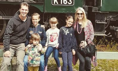 Lauren Newton family outing
