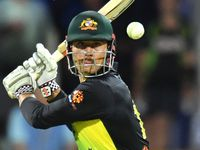 Stoinis puts hand up for crucial Aussie job