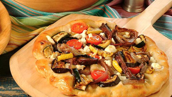 Spicy grilled pizza