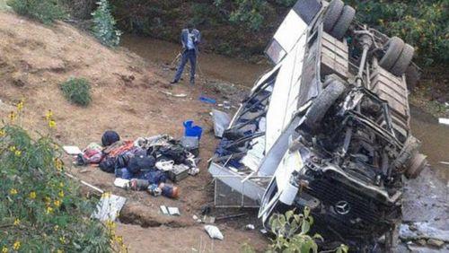 Two Australians confirmed dead after Kenya bus crash