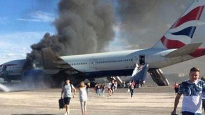 Jet engine crack blamed for LA airport emergency