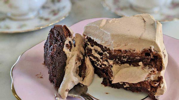 Three ingredient Nutella cream cake recipe
