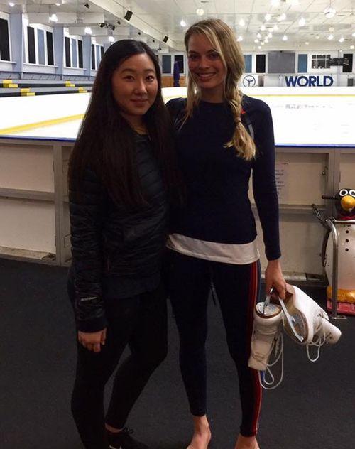 Margot Robbie and her skating mentor Tina Wang. (9NEWS)