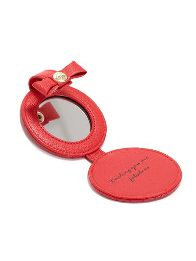 "<a href=""https://www.review-australia.com/little-compact-mirror.html"" target=""_blank"">Review&nbsp;Little Compact Mirror, $29.99.</a><br>"