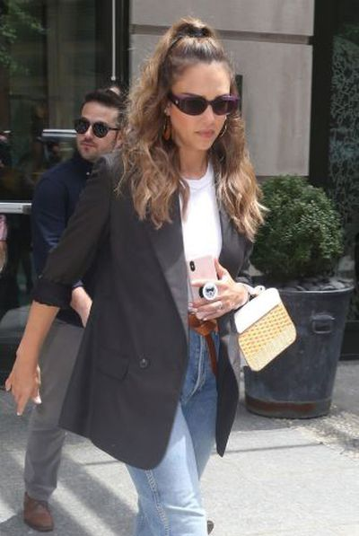 "<p>Jessica Alba in New York, July 2018</p> <p>""This look lengthens the face, making it perfect for people with round face shapes,"" added Parker-Attwood.</p>"