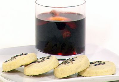 Mulled wine and shortbread