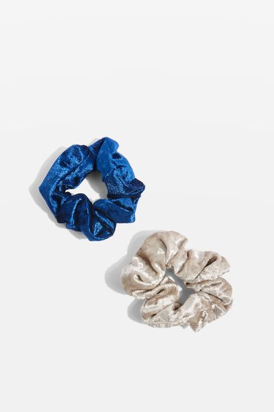 "<a href=""http://www.topshop.com/en/tsuk/product/scrunchie-2-pack-7192462?bi=0&ps=20&Ntt=scrunchies"" target=""_blank"" draggable=""false"">Topshop Scrunchie Two Pack, $6.90</a>"