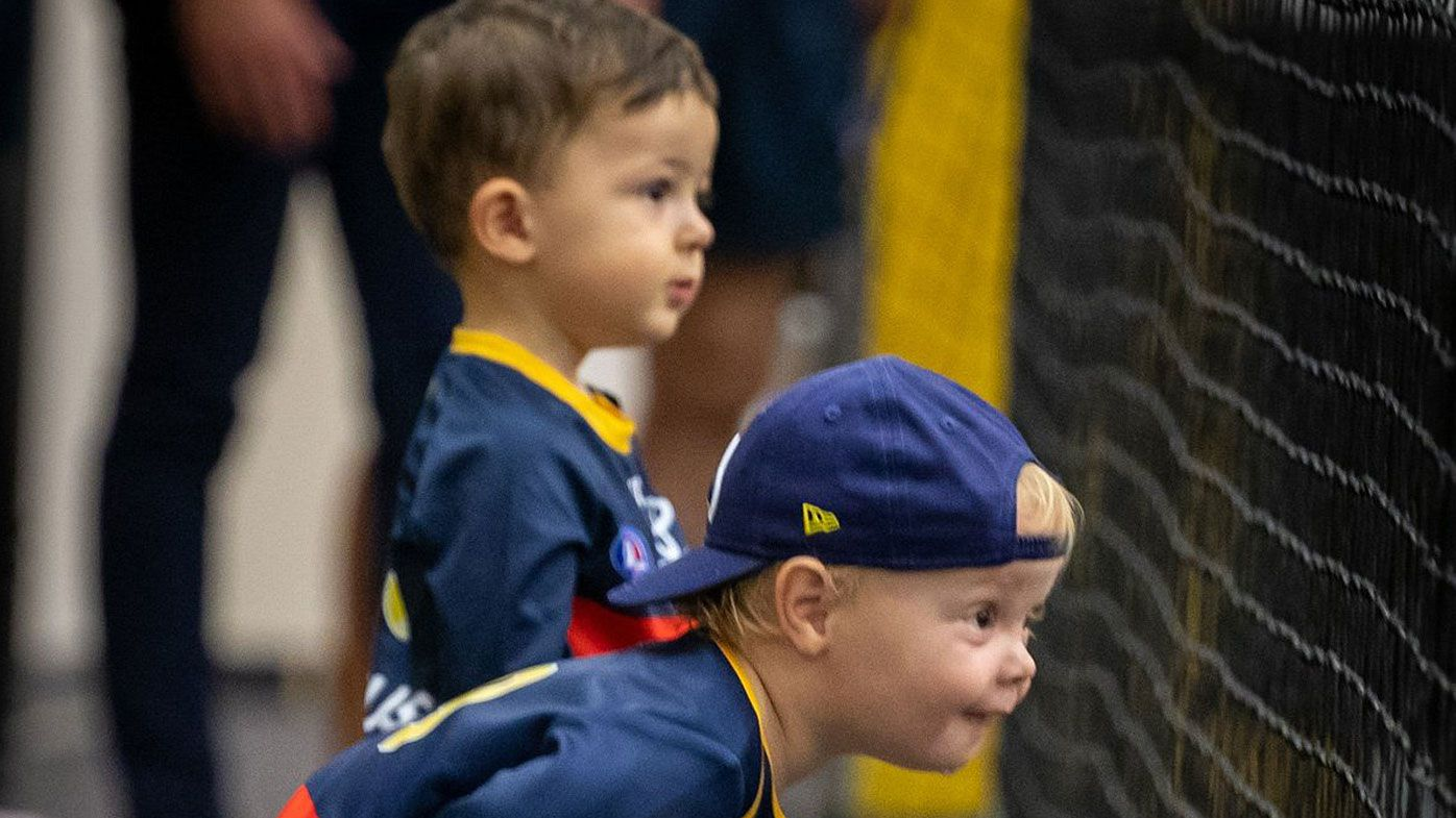 Taylor Walker and Rory Sloane's sons go viral in heart-warming Adelaide Crows photo