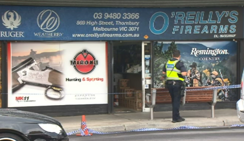 Detectives were back at the scene today investigation. (9NEWS)