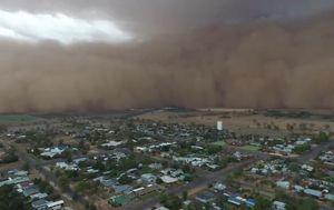 Huge dust storm envelops Central West of NSW