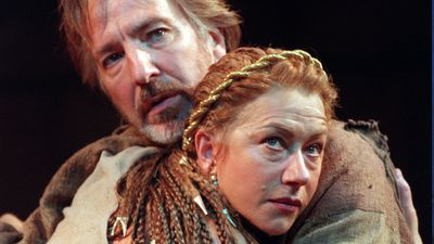 Rickman appears alongside Helen Mirren during a photocall rehearsal for 'Anthony and Cleopatra' at the Olivier Theatre on London's South Bank in 1998. (AAP)