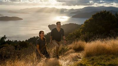 <p><strong>South Island: Queen Charlotte Track, 70km (3 days), Marlborough Sounds</strong></p>