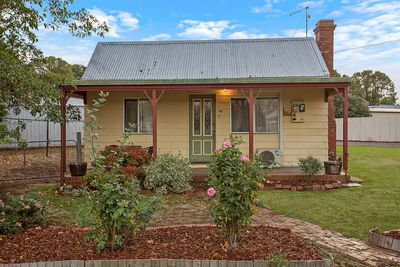 <strong>62 Fergusson Street, Camperdown, VIC:&nbsp;$169,000</strong>