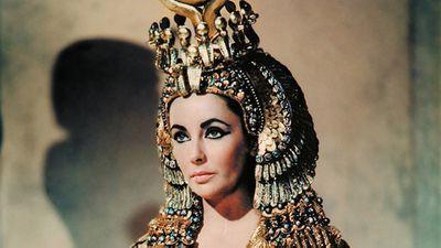 Elizabeth Taylor in <em>Cleopatra</em>