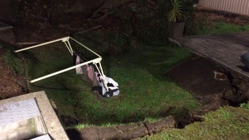 Residents allowed to return after sinkhole opens up in Sydney