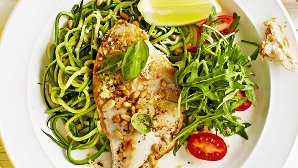 Weight Watchers' chicken with zucchini noodles