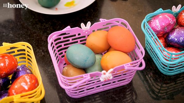 Easiest way to dye eggs for Easter