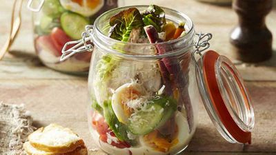 <strong>Chicken caesar salad jars</strong>