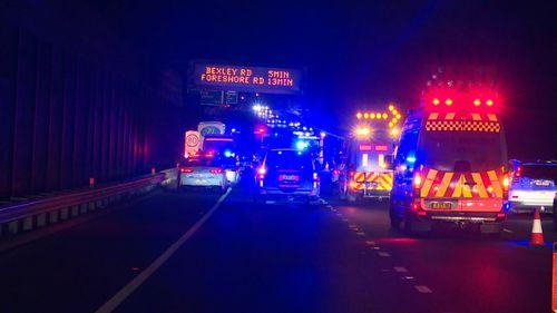 190422 Sydney M5 motorway bus crash teenagers critical hospital news Australia