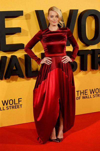 Margot Robbie inOscar de la Renta at the UK premiere of <em>The Wolf Of Wall Street</em> on January 9, 2014