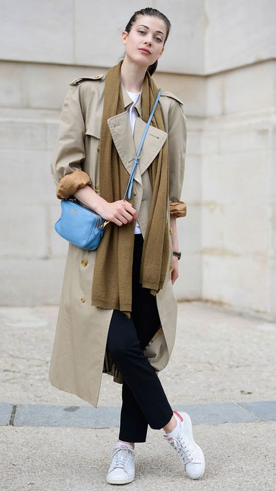 Follow model Larissa Hofmann's cue and layer up with a scarf and crossbody bag. Roll the sleeves for that model-off duty nonchalance.