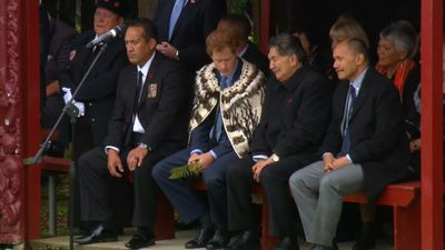 Prince Harry was welcomed in traditional Te Reo Maori, while the man next to him kept him up to date on proceedings in English. (9NEWS)