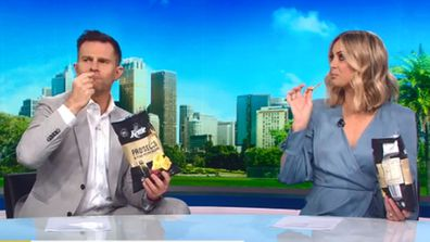 David Campbell and Sylvia Jeffreys try prosecco flavoured chips on Today Extra