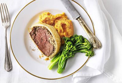 "Recipe:&nbsp;<a href=""http://kitchen.nine.com.au/2016/05/20/11/01/weight-watchers-beef-wellington-with-pumpkin-puree"" target=""_top"" draggable=""false"">Healthy pumpkin puree<br> </a>"