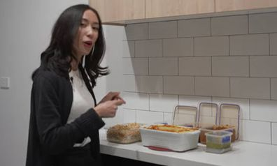 Queening budget cooking fried rice