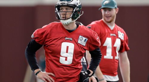 The Eagles' Carson Wentz will be watching from the sidelines following a knee injury. (AAP)