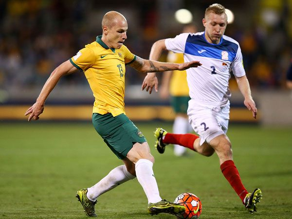 Aaron Mooy in action for the Socceroos against Kyrgyzstan. (Getty)