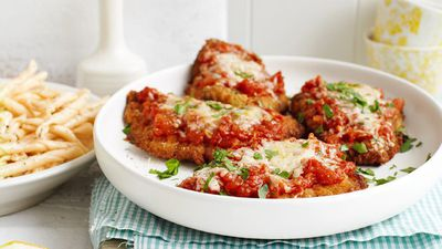 """<a href=""""http://kitchen.nine.com.au/2016/05/13/12/37/veal-parmigiana"""" target=""""_top"""">Veal parmigiana</a><br> <br> <a href=""""http://kitchen.nine.com.au/2016/11/21/17/12/easy-weekday-meals-november-21-2016"""" target=""""_top"""">More budget weekday dinners</a><br>"""