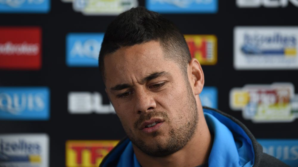 Titans teammates mock Hayne over red button