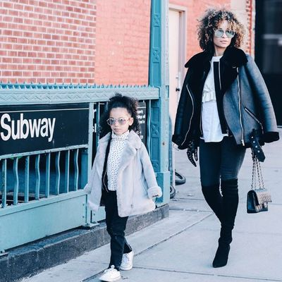 <strong>7. London Scout </strong>pairs up with her stylish mum Sai De Silva for a fashionable matching mummy/daughter outfits.