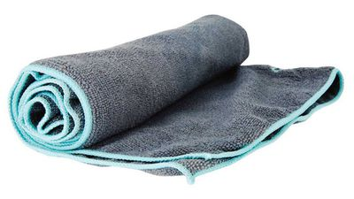 <strong>Gaiam Thirsty Yoga Mat Towel</strong>