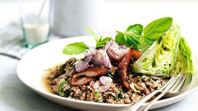 <strong>Larb ped (minced duck salad)</strong>