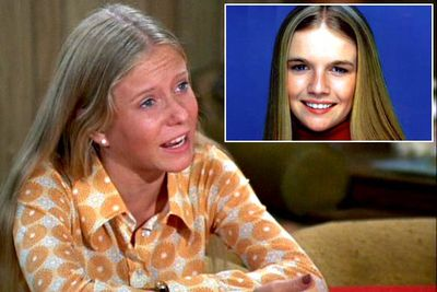"<B>Originally played by:</B> Eve Plumb.<br/><br/><B>Replaced by:</B> Geri Reischl (inset).<br/><br/><B>The substitution:</B> Eve Plumb played middle sister Jan for all five seasons of the iconic sitcom, but (wisely) decided not to participate in the <I>Brady Bunch Variety Hour</I> spin-off specials in 1977. She was eventually replaced by Geri Reischl, now known as ""Fake Jan"",  though Plumb <i>did</i> return for other short-lived Brady spin-offs, including 1981's <I>The Brady Brides</I> and 1988's <iI>A Very Brady Christmas</I>."
