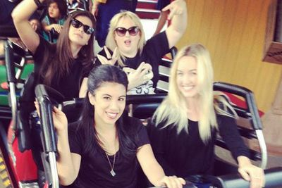 "@RebelWilson: ""Crushed it!! Roller coasting with @haileesteinfeld @chrissiefit @kelleyjakle."""