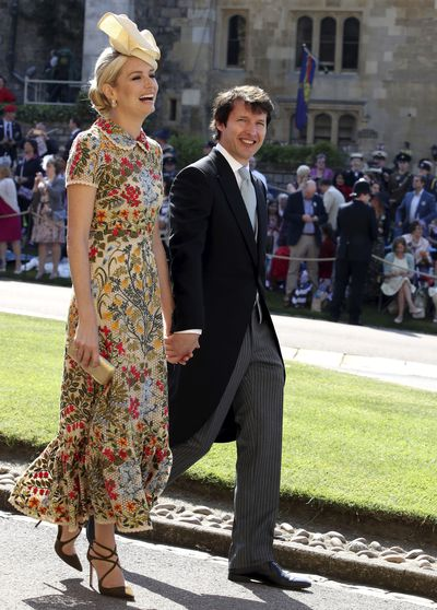 Photo of stylish couple <strong>James Blunt</strong> and wife and granddaughter of the 8th Duke of Wellington, Sofia Wellesley at Prince Harry and Meghan's wedding