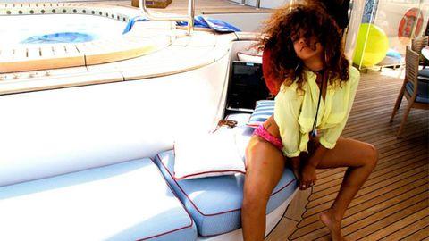 Rihanna shares her sexy holiday snaps