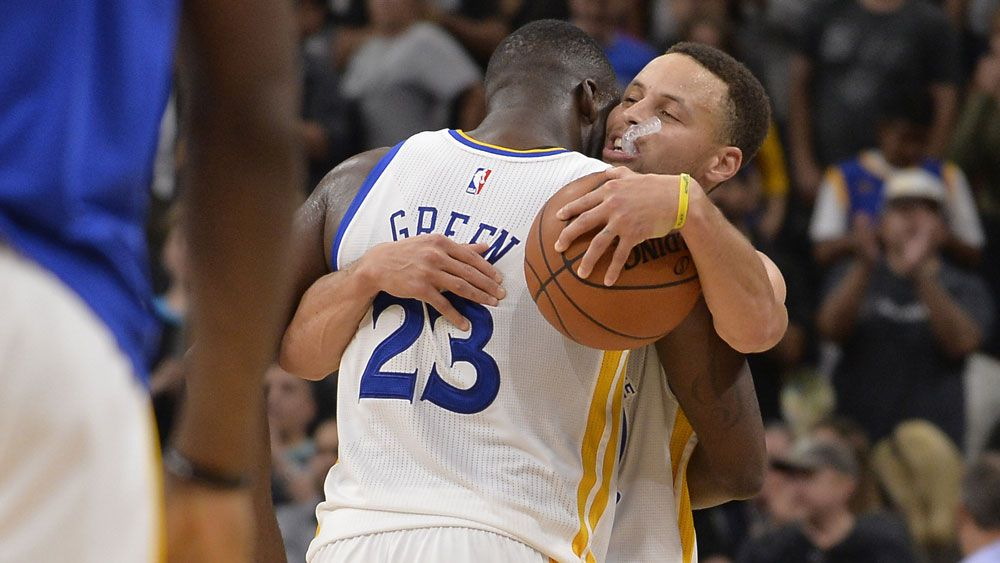 NBA: Warriors beat Spurs for record-equalling 72nd victory