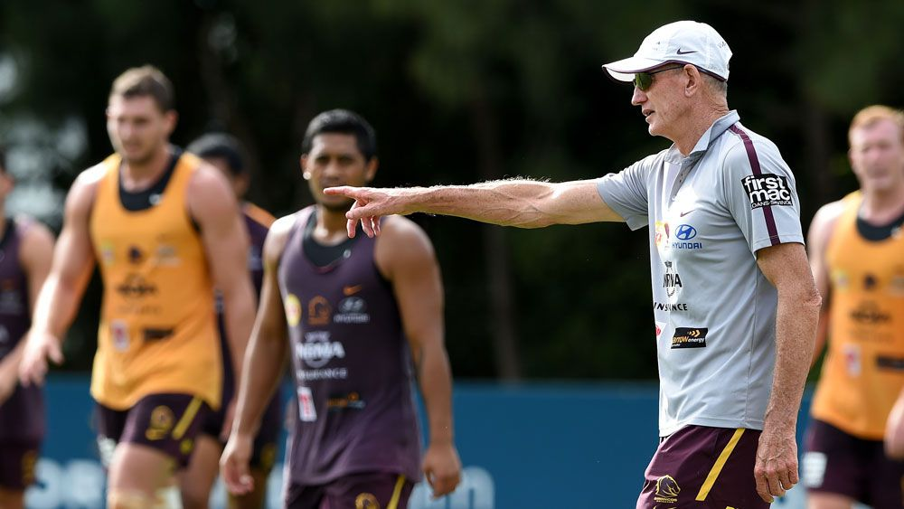 Wayne Bennett directs traffic at Broncos training. (AAP)