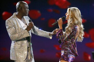 Everyone's hearts melted the year that Seal donned his sparkle suit to duet with wife Heidi, who proved she had singing chops of her own.  We all thought this was one match that would last forever, until the couple split in 2012.