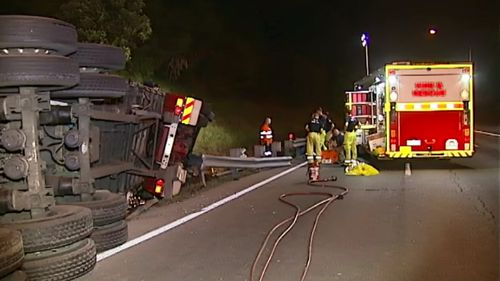 The truck was carrying 30 tonnes of alcohol. (9NEWS)