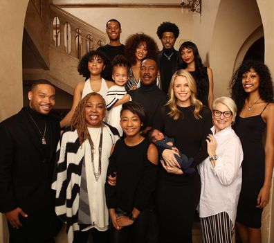 new concept 68777 e79a2 Eddie Murphy poses with all 10 of his children in rare ...