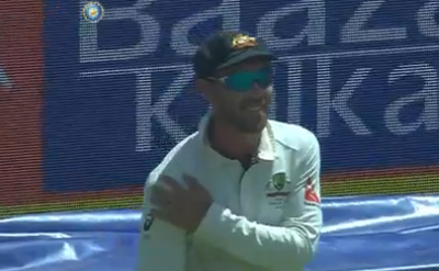 <strong>Glenn Maxwell takes the mickey out of Virat Kohli's shoulder injury</strong>