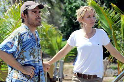 Lisa McCune returns to the small screen as free-spirited doctor and single mother Sam Stewart in Ten's new Aussie drama <i>Reef Doctors</i>. The series follows a team of doctors who look after residents of (and visitors to) a small island community on the Great Barrier Reef.<br/><br/><b>Coming soon to Network Ten</b>
